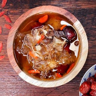 Snow fungus soup dessert